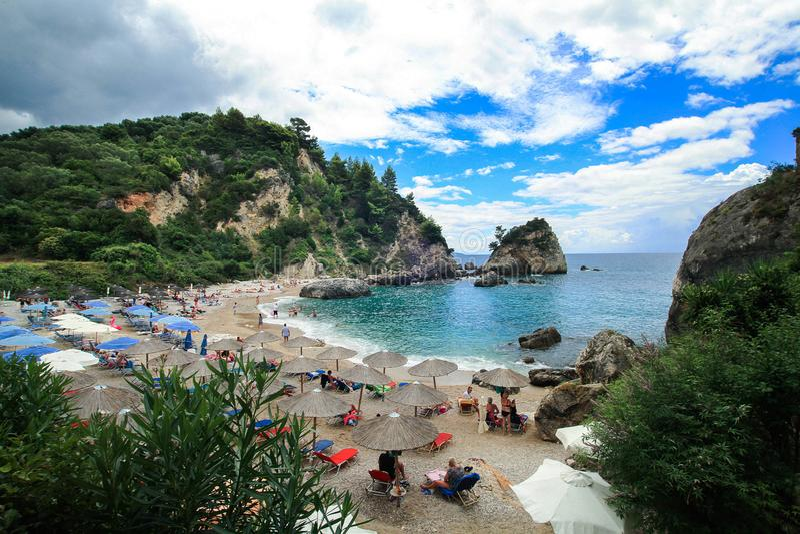 Sikt av den lilla stranden Piso Krioneri royaltyfri bild