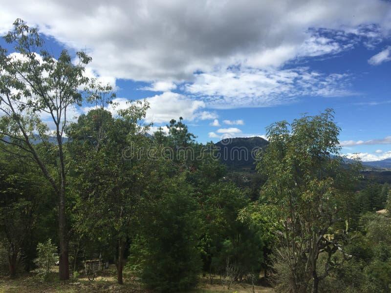 Sikt av den magiska staden Patzcuaro arkivfoton