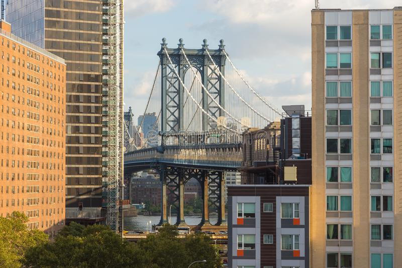 Sikt av den Manhattan bron och från Brooklyn arkivbilder