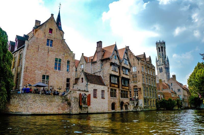 Sikt av den medeltida staden Bruges, Belgien arkivbilder