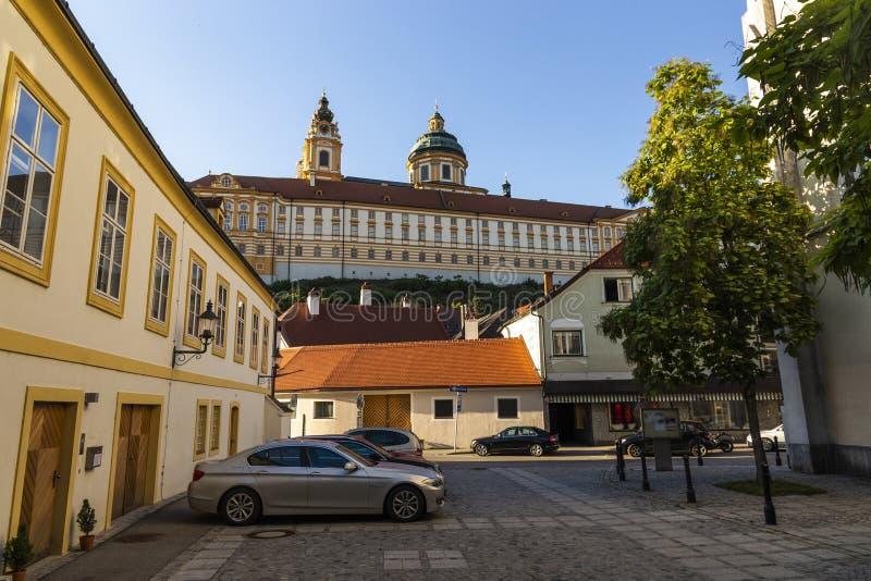 Sikt av den Melk staden i Österrike royaltyfria foton