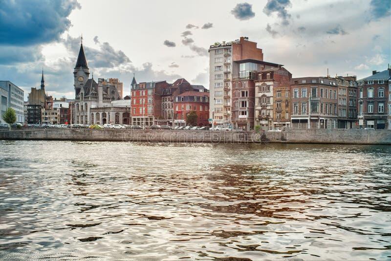 Sikt av den Meuse flodkajen arkivbilder