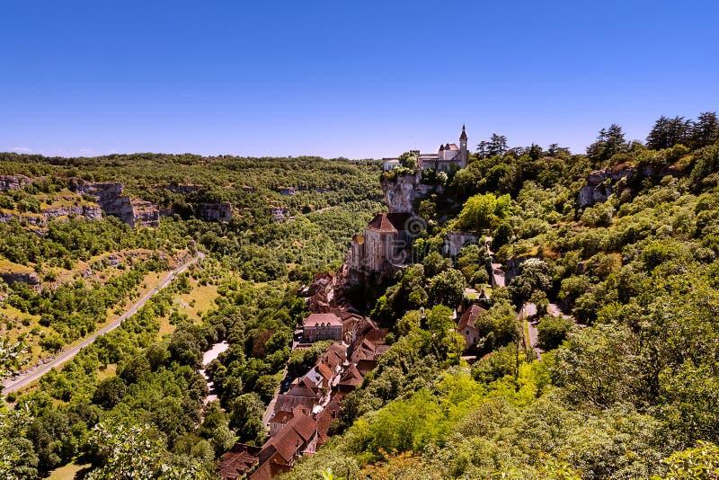 Sikt av den Perigord byn av Rocamadour i Frankrike royaltyfria bilder