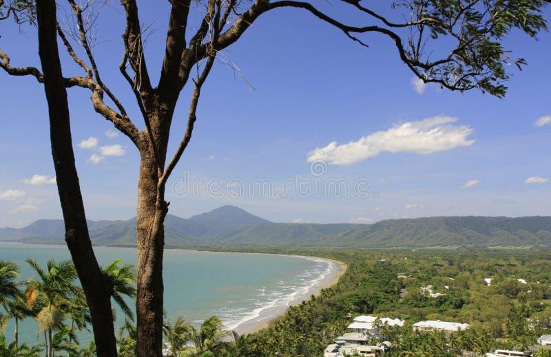 Sikt av den Port Douglas stranden arkivbilder