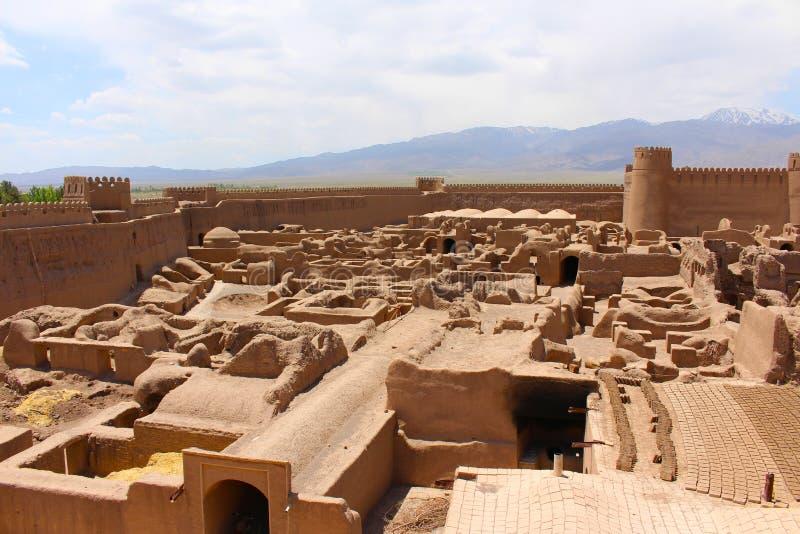 Sikt av den Rayen slotten, Iran royaltyfria foton
