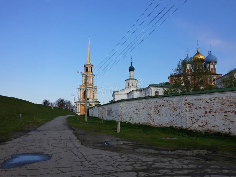 Sikt av den Ryazan Kreml, den guld- cirkeln av Ryssland arkivbilder
