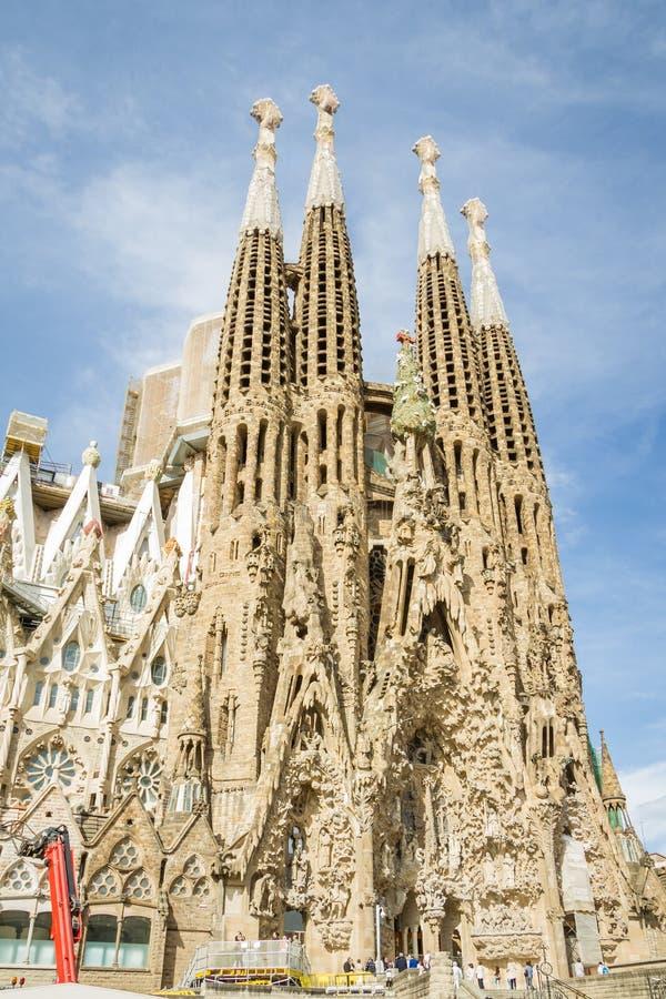 Sikt av den Sagrada Familia domkyrkan som planläggs av Antoni Gaudi, arkivfoto