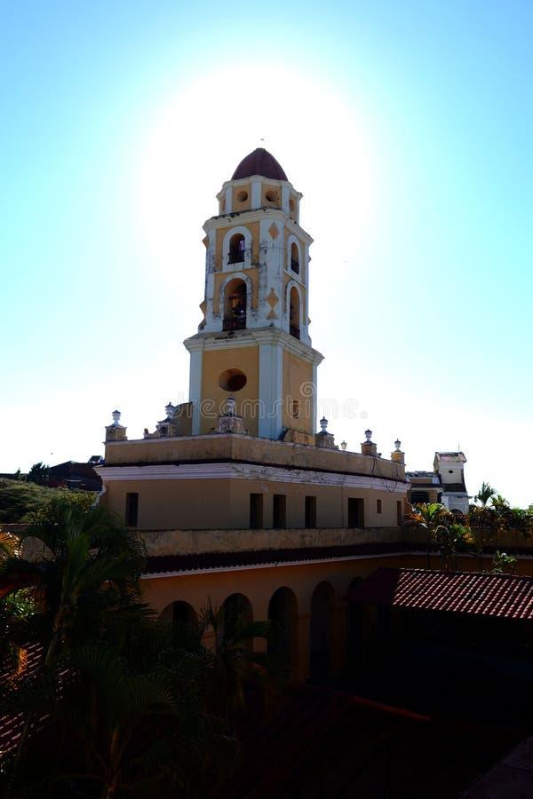 Sikt av den San Francisco de Asis kyrkan cuba trinidad royaltyfria bilder