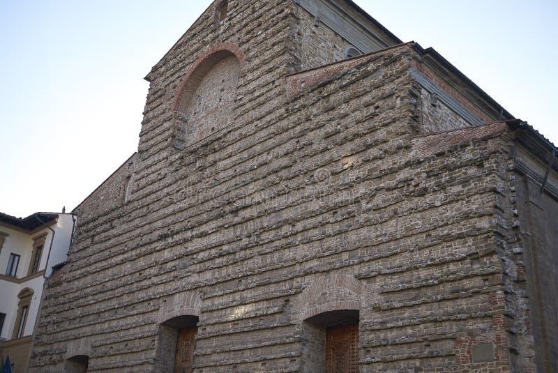 Sikt av den San Lorenzo kyrkan arkivbild