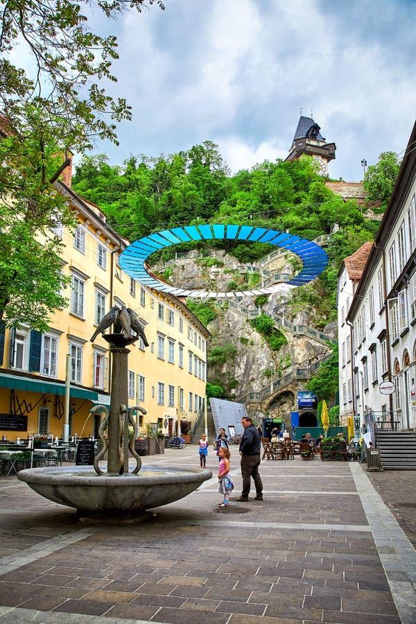Sikt av den Schlossbergplatz fyrkanten, Graz arkivfoto
