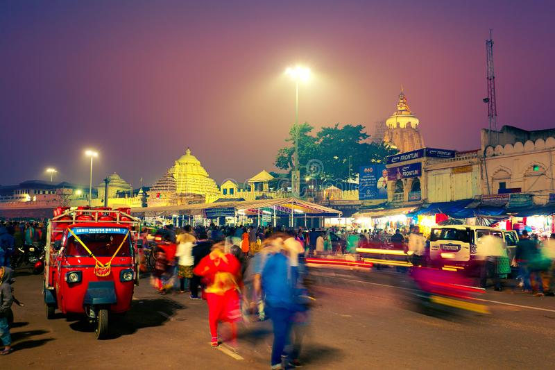 Sikt av den Shree Jagannath templet på natten royaltyfria foton