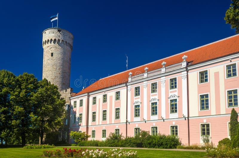 Sikt av den Toompea slotten i Tallinn arkivbilder