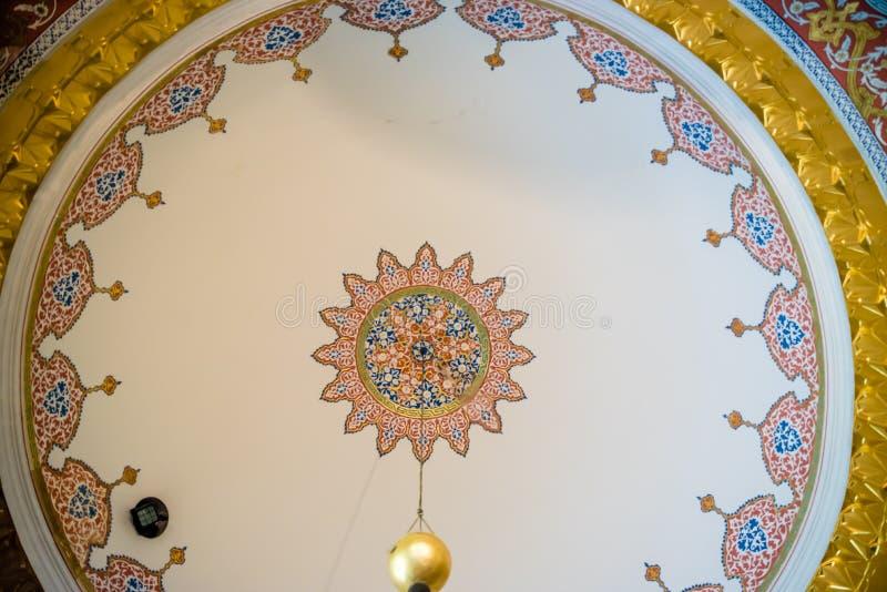 Sikt av den Topkapi slotten i Istanbul, Turkiet royaltyfri bild