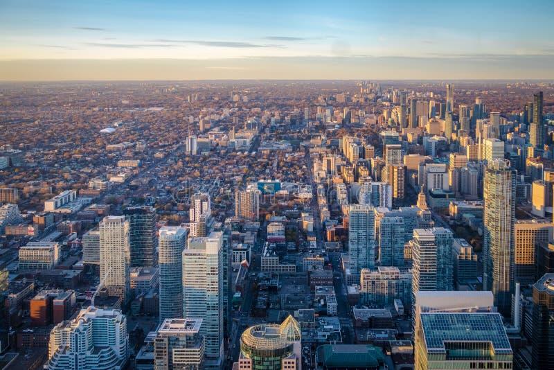 Sikt av den Toronto staden från ovannämnt - Toronto, Ontario, Kanada arkivbilder