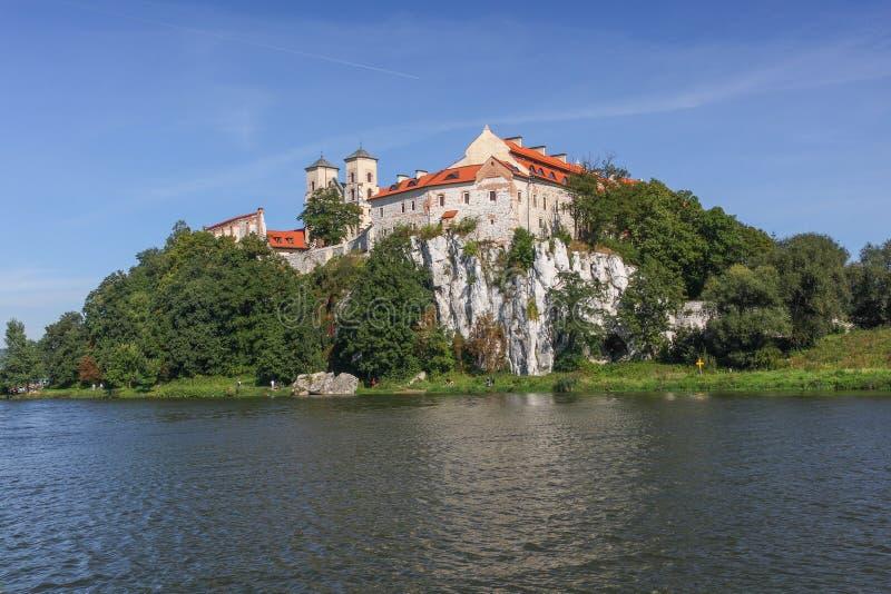 Sikt av den Tyniec kloster i Krakow poland arkivbilder