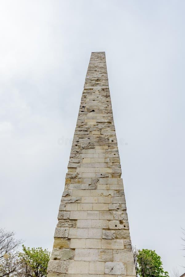 Sikt av den Walled obelisken, Constantine Obelisk eller murverkobelisken royaltyfria foton
