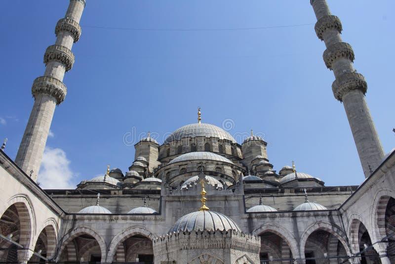Sikt av den Yeni moskén royaltyfri bild