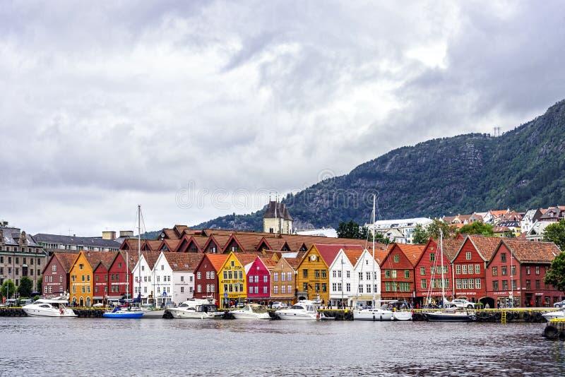 Sikt av det Bryggen området i Bergen, Norge arkivfoton