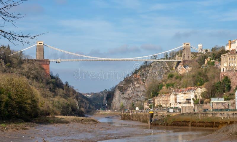 Sikt av det Clifton Suspension Bridge och Clifton området av Bristol royaltyfri foto