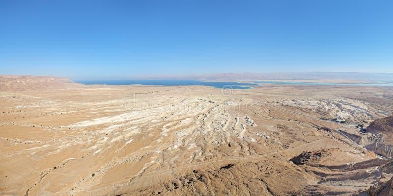 Sikt av det döda havet från den Masada fästningen, Israel royaltyfria foton