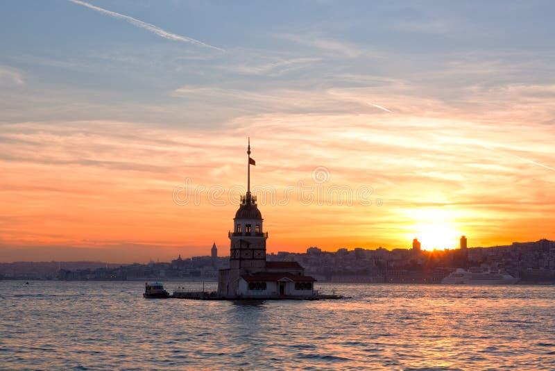 Sikt av det jungfru- tornet på en solnedgång fotografering för bildbyråer