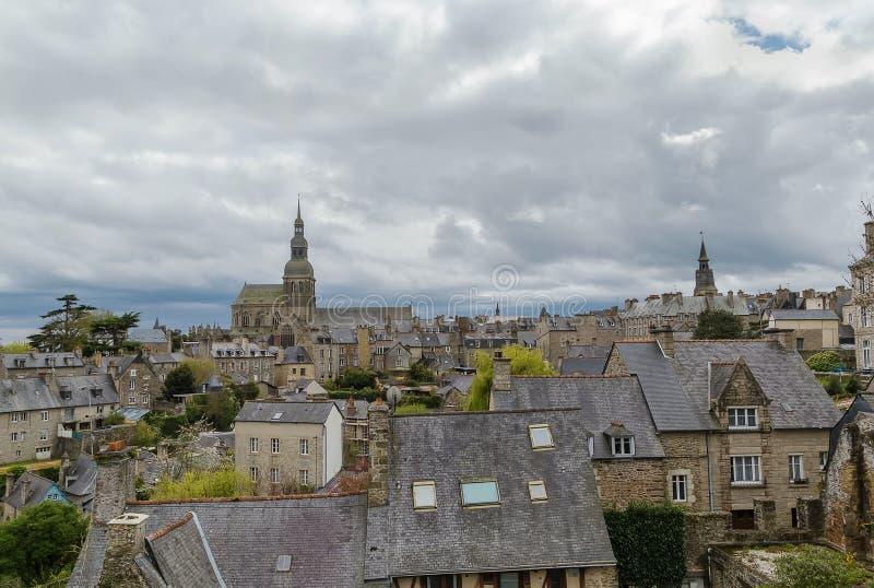 Sikt av Dinan, Frankrike fotografering för bildbyråer