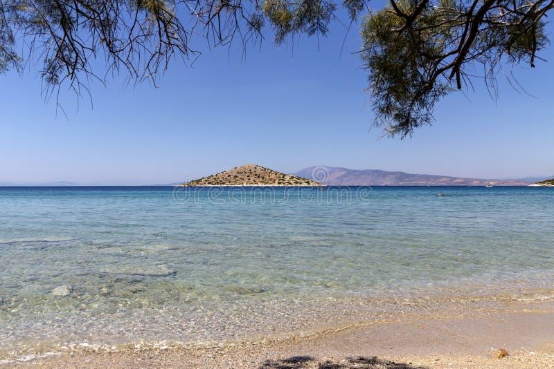 sommar på den lilla ön i havet