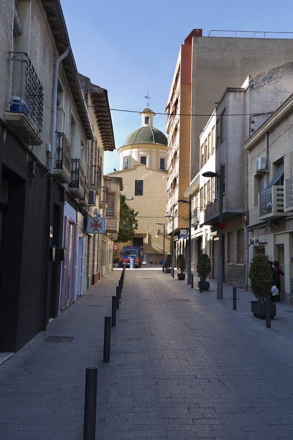 Sikt av en gata i kommunen San Vicente del Raspeig arkivbilder