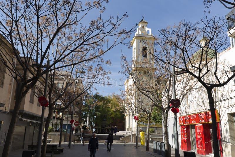Sikt av en gata i kommunen San Vicente del Raspeig arkivfoto