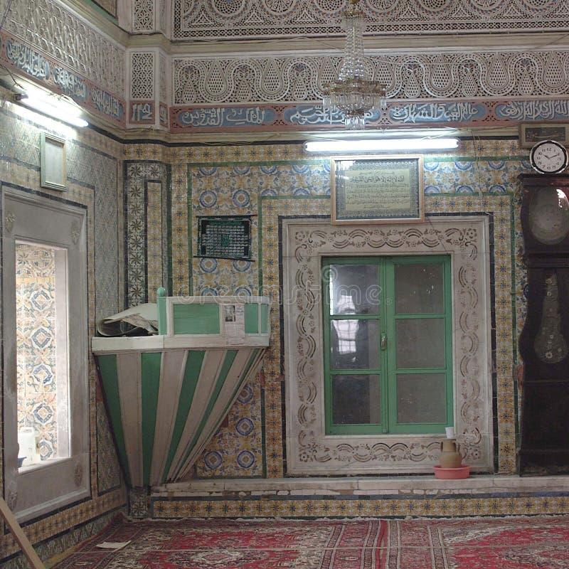 Sikt av en moskéinre royaltyfri fotografi