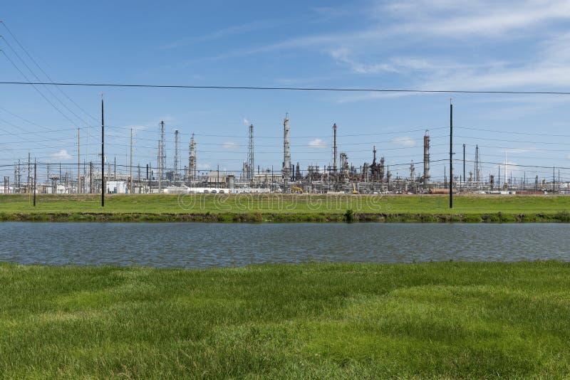 Sikt av ett oljeraffinaderi i sydliga Texas, Förenta staterna fotografering för bildbyråer