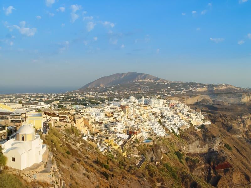 Sikt av Fira i Santorini en grekisk ö arkivfoton