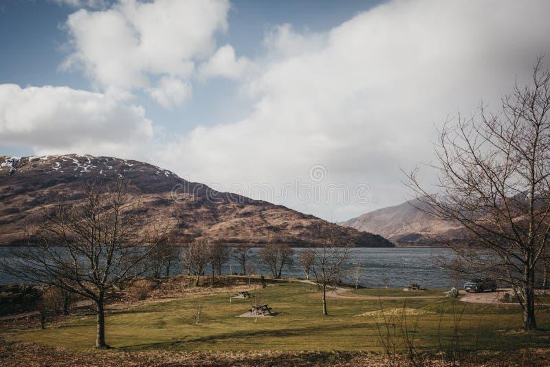 Sikt av fjorden Eil, Fort William, Skottland fotografering för bildbyråer