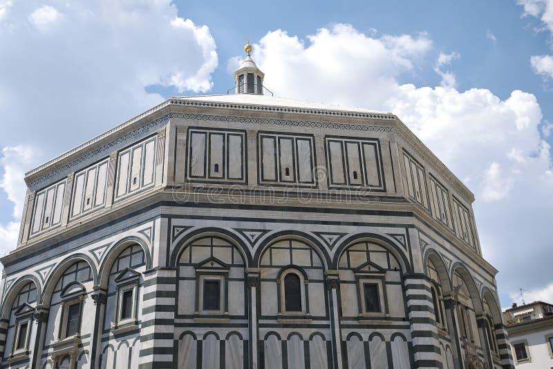 Sikt av Florence Baptistery royaltyfri bild