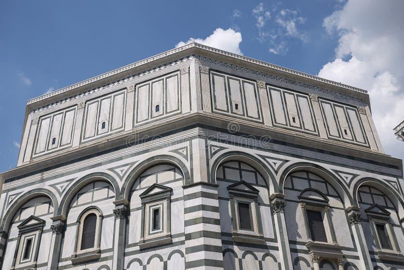 Sikt av Florence Baptistery arkivbilder