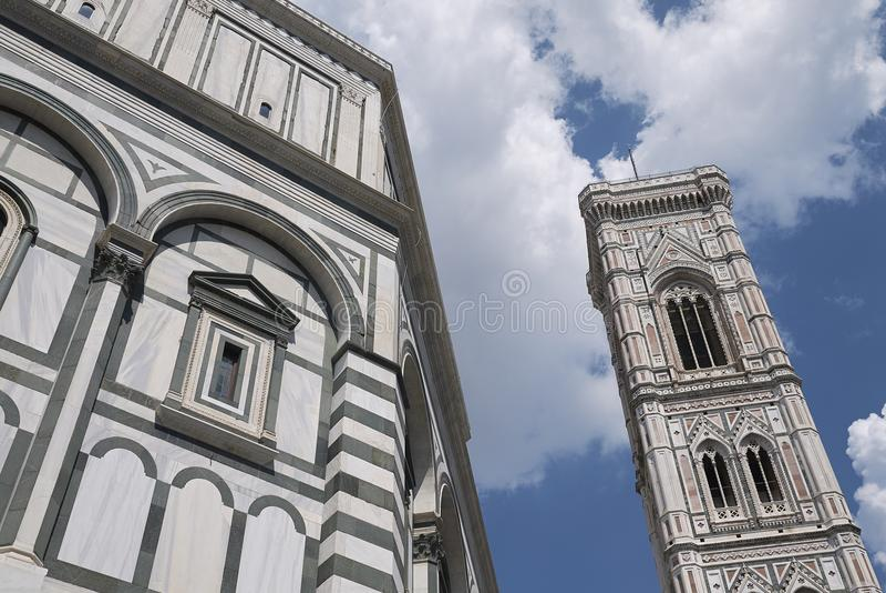 Sikt av Florence Baptistery royaltyfri fotografi