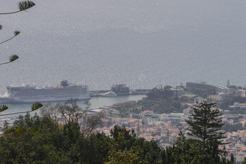 Sikt av Funchal från Monten arkivbild