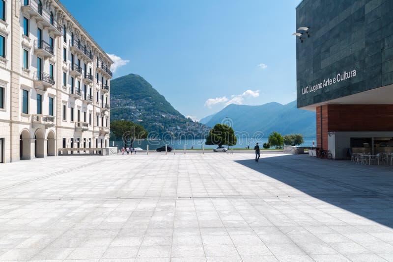 Sikt av fyrkanten på GUMMILACKA Lugano Arte e Cultura royaltyfria bilder