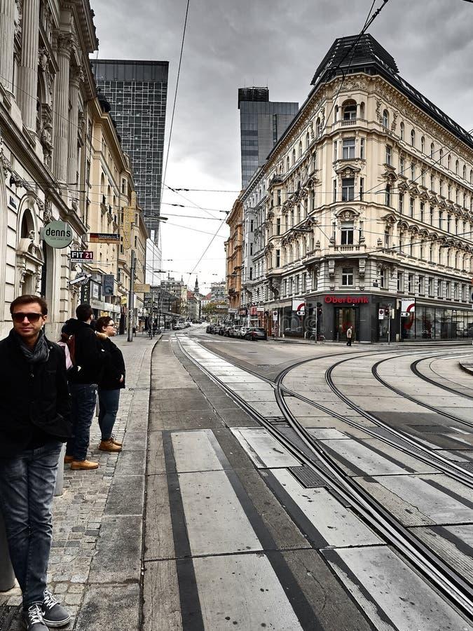 Sikt av gatorna av Wien arkivbilder