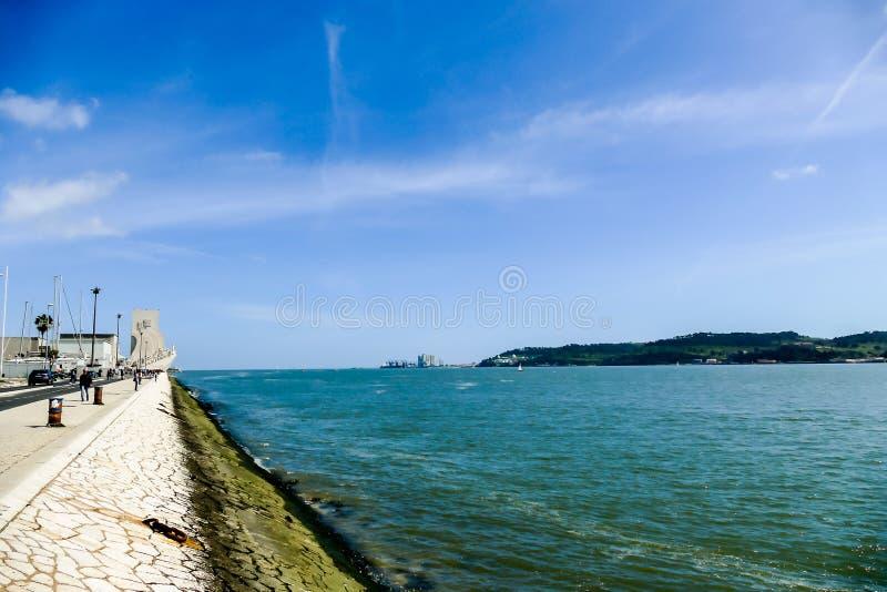 Sikt av giovinazzoapuliaen, i Lissabon huvudstaden av Portugal royaltyfria foton