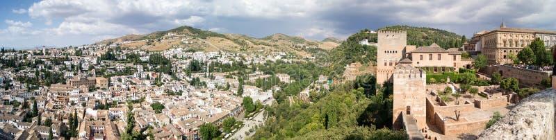 Sikt av Granada från Alhambraen arkivfoto