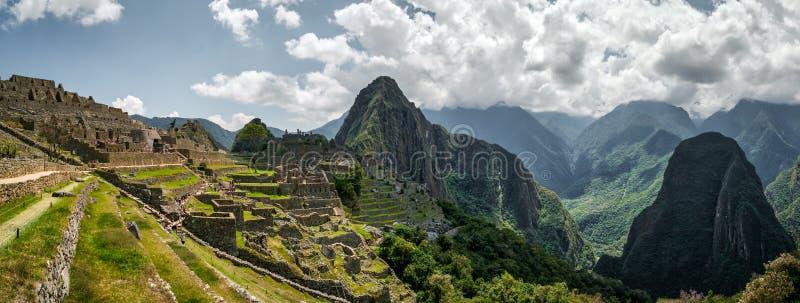 Sikt av härliga berg nära Machu Picchu arkivbild