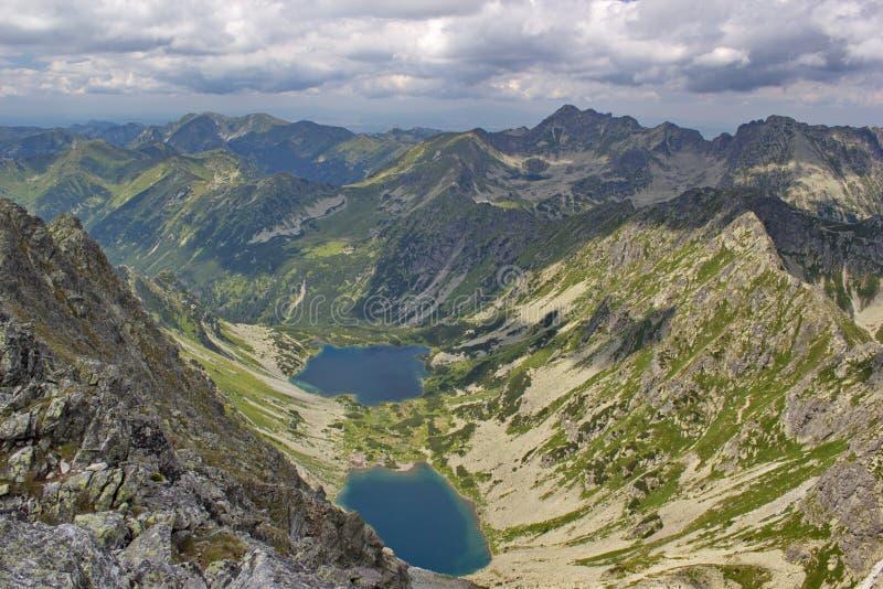 Sikt av höga Tatras berg och tarns royaltyfri fotografi