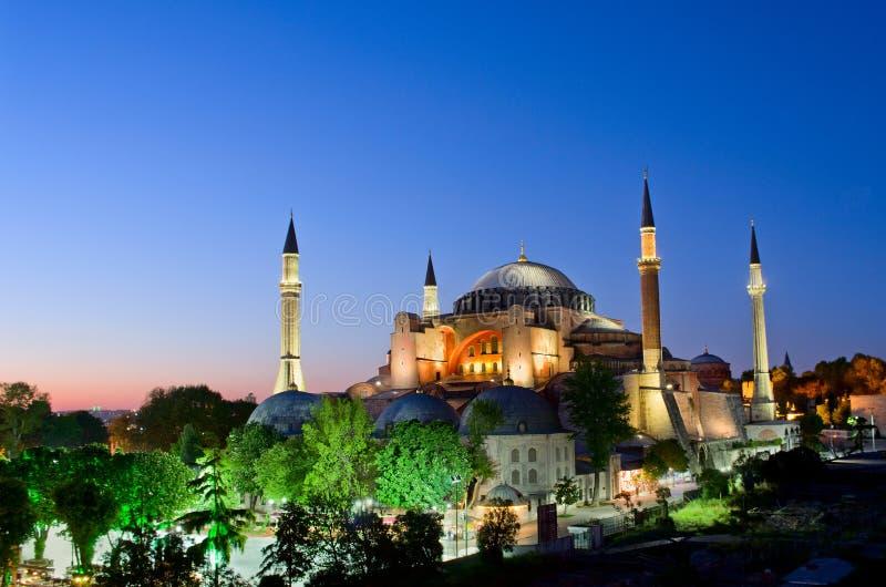 Sikt av Hagia Sofia eller Ayasofya på natten i Istanbul kalkon royaltyfria foton