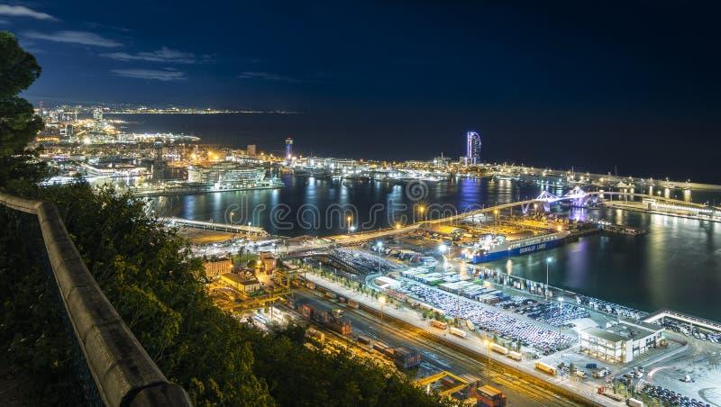 Sikt av hamnen från berget royaltyfri bild
