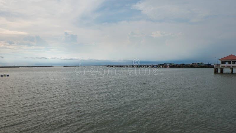 Sikt av hamnen på det Chonburi landskapet royaltyfria foton
