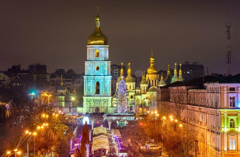 Sikt av helgonet Sophia Cathedral, en UNESCOvärldsarv i Kiev, Ukraina arkivbilder
