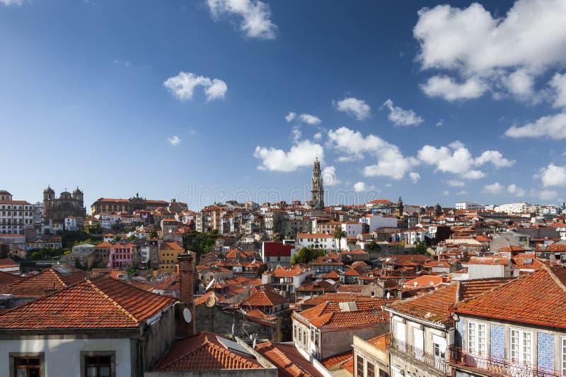 Sikt av horisonten av staden av Porto i Portugal, Europa; arkivfoto