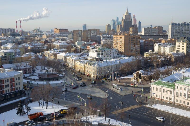 Sikt av huvudstaden från höjden, Moskva, Ryssland royaltyfri foto