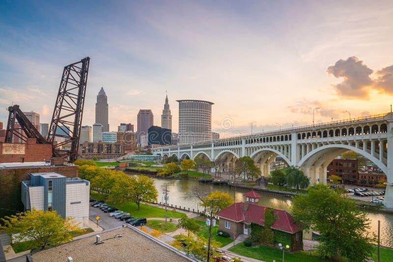 Sikt av i stadens centrum Cleveland arkivbilder